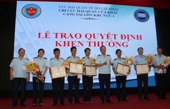 Hải quan TPHCM: Khen thưởng 7 tập thể, cá nhân phát hiện hàng giả mạo xuất xứ