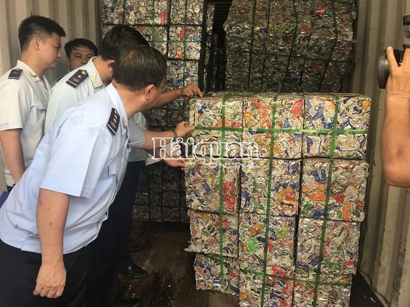 khoi to vu xuat lau 4 container phe lieu nhom