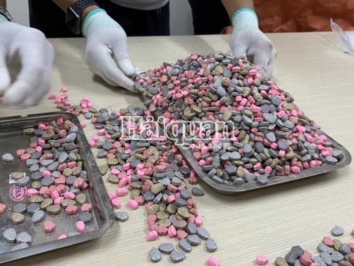 Hải quan TPHCM bắt giữ hàng chục kg ma tuý