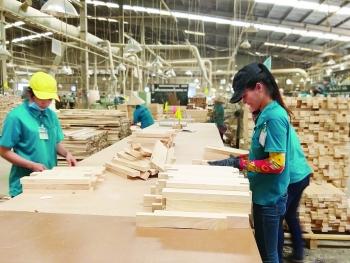 Điều gì đang chờ đợi xuất khẩu gỗ Việt?