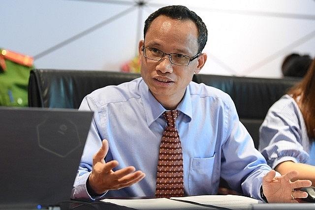 chuyên gia tài chính - ngân hàng TS. Cấn Văn Lực, Chuyên gia Kinh tế trưởng ngân hàng BIDV.