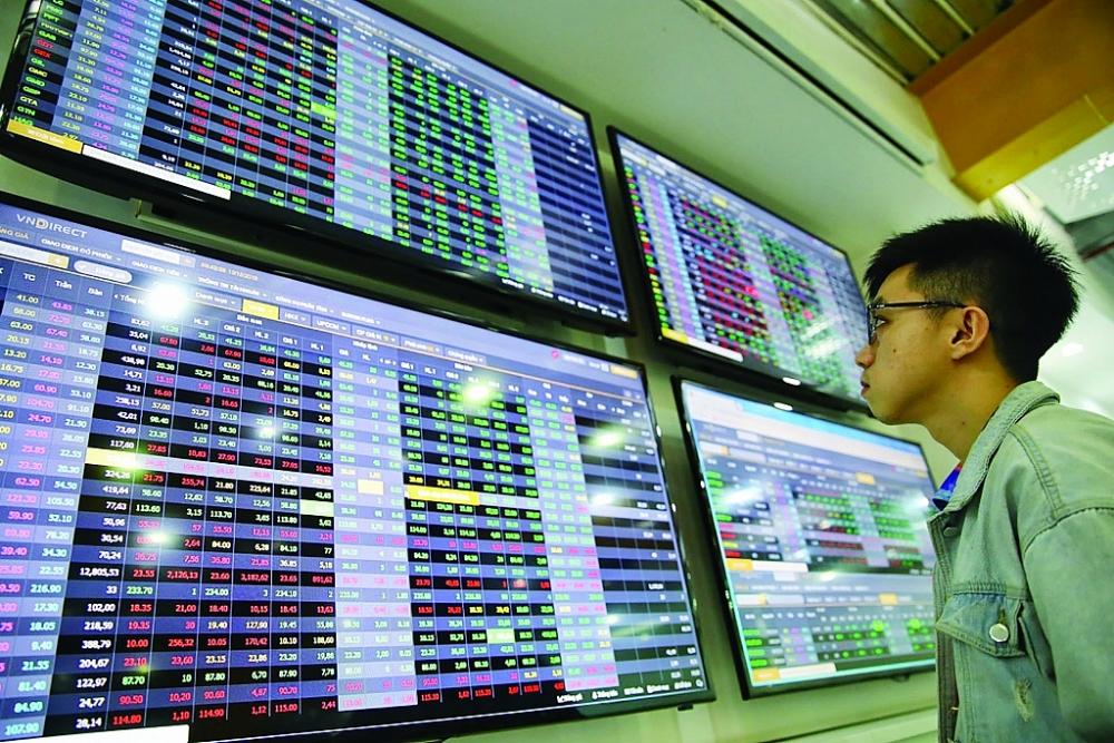 Chứng khoán tăng nóng, nhà đầu tư cần phải trang bị kiến thức để bảo vệ mình