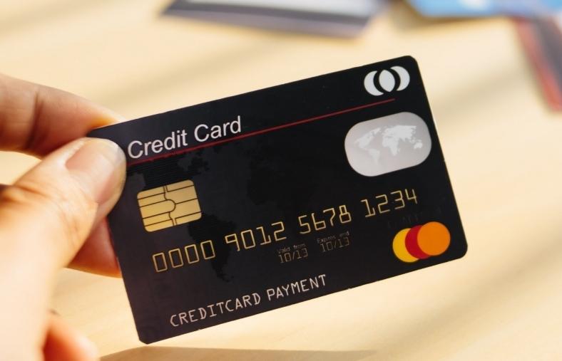 Đảo nợ, giao dịch khống từ thẻ tín dụng: Chiêu trò nguy hiểm
