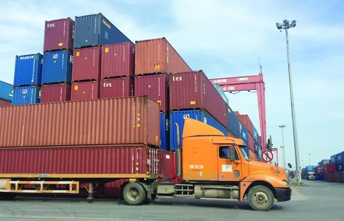 Xuất siêu chưa vội mừng, xuất khẩu đối mặt với rủi ro tiềm tàng