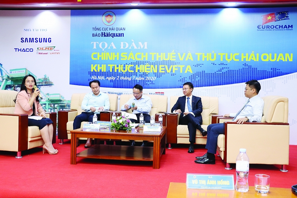 """Tọa đàm """"Chính sách thuế và thủ tục hải quan khi thực hiện EVFTA"""" do Báo Hải quan phối hợp với Hiệp hội doanh nghiệp châu Âu tại Việt Nam (EuroCham) tổ chức ngày 2/7/2020, tại trụ sở Tổng cục Hải quan. Ảnh: T.Bình"""