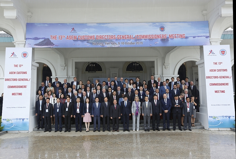 Các đại biểu tham dự Hội nghị Tổng cục trưởng Hải quan ASEM 13 (Diễn đàn hợp tác Á - Âu), ngày 9/10/2019. Ảnh: H.NỤ