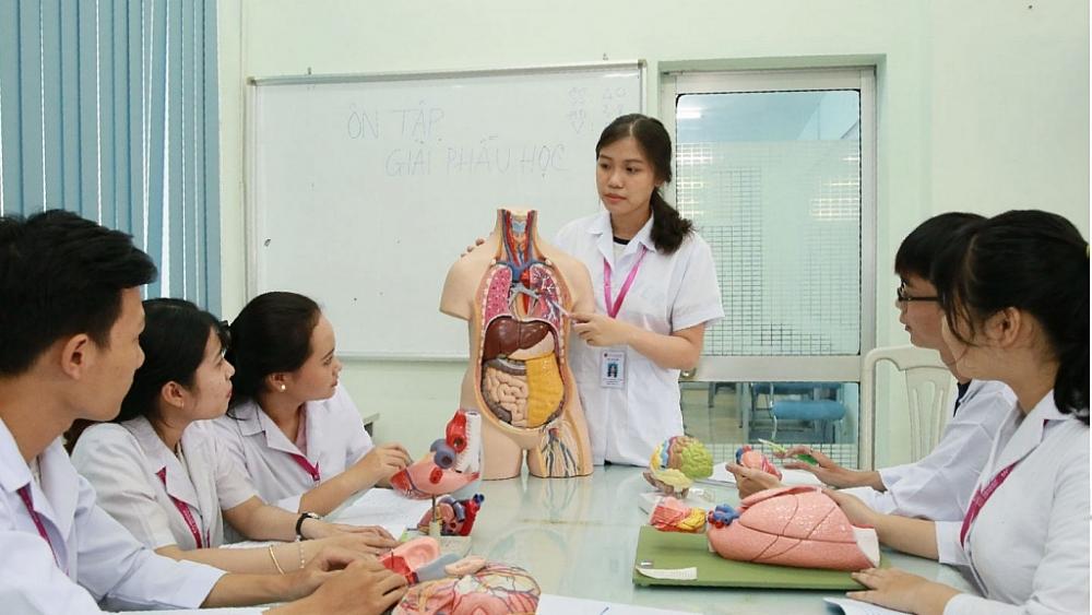 Sức khỏe là ngành đào tạo đặc biệt, nắm trong tay sinh mạng của con người nên cần thắt chặt ngay từ khâu tuyển sinh, đào tạo. Ảnh: ST