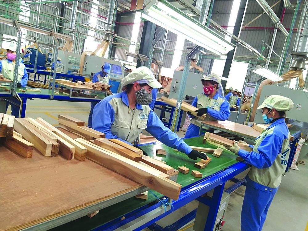 Dự báo, năm nay ngành gỗ tiếp tục duy trì ổn định đà tăng trưởng XK tương đương năm 2020. Ảnh: N.Thanh