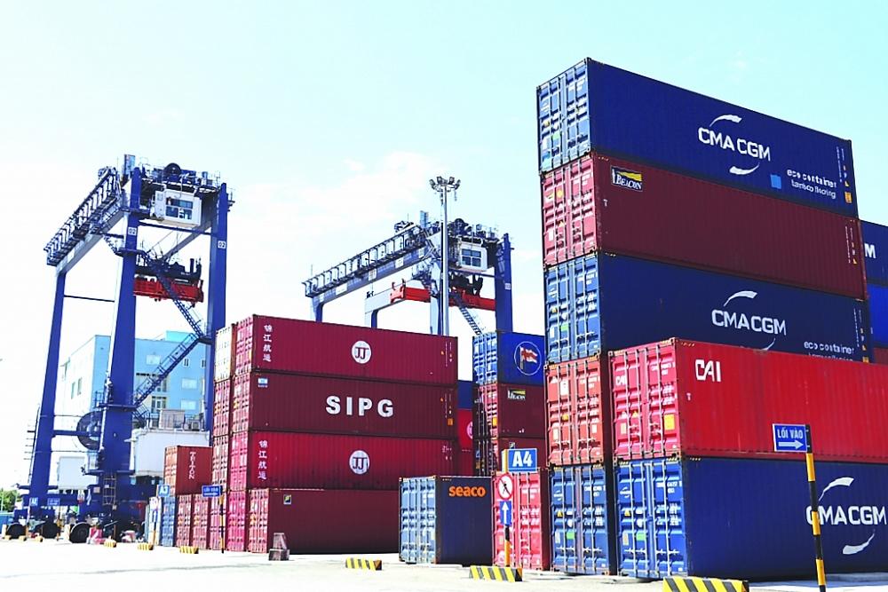 Chi phí logistics nhập khẩu tăng cao tác động trực tiếp tới hoạt động xuất khẩu của doanh nghiệp.  Ảnh: N. Linh