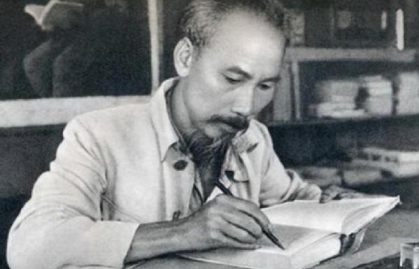 Lễ kỷ niệm sinh nhật khó quên của Hồ Chủ tịch
