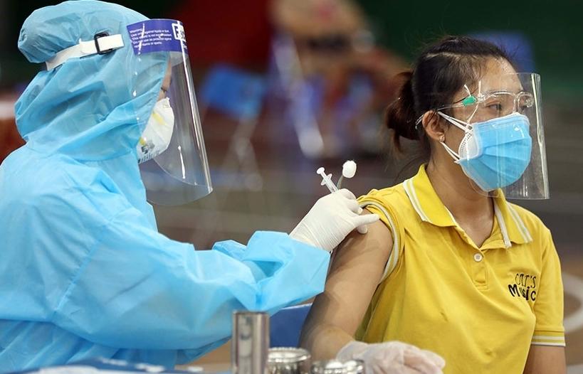 Không để chậm tiêm vắc xin