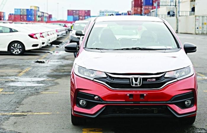 Nhiều xe ô tô nhập khẩu ưu đãi, miễn trừ chưa hoàn thành thủ tục chuyển nhượng