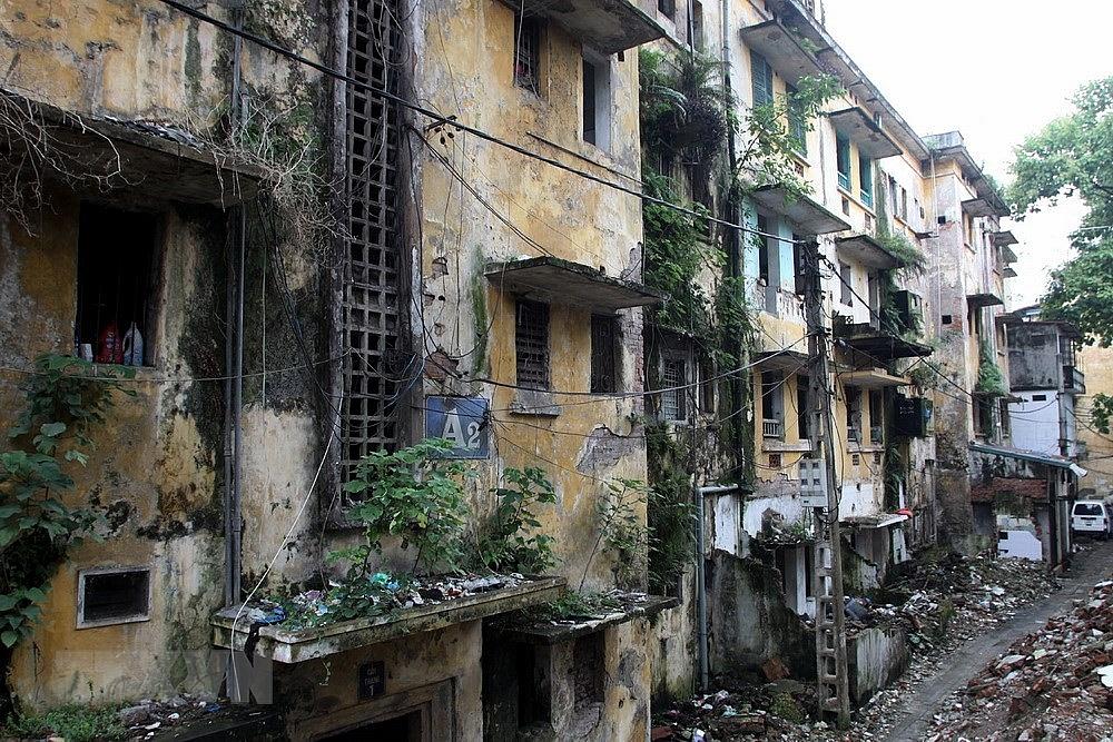 Khu nhà A2 tập thể Nguyễn Công Trứ, quận Hai Bà Trưng. Ảnh: TTXVN
