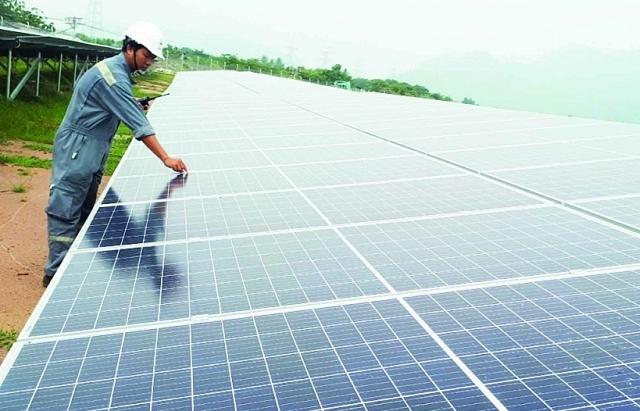 Sẽ thí điểm đấu thầu trước tiên với dự án điện mặt trời trên mặt hồ