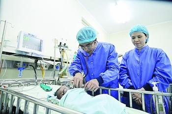 Bệnh viện tự chủ tài chính: Những vấn đề phát sinh. Bài 2: Cần cơ chế kiểm soát lạm dụng xét nghiệm, chụp chiếu