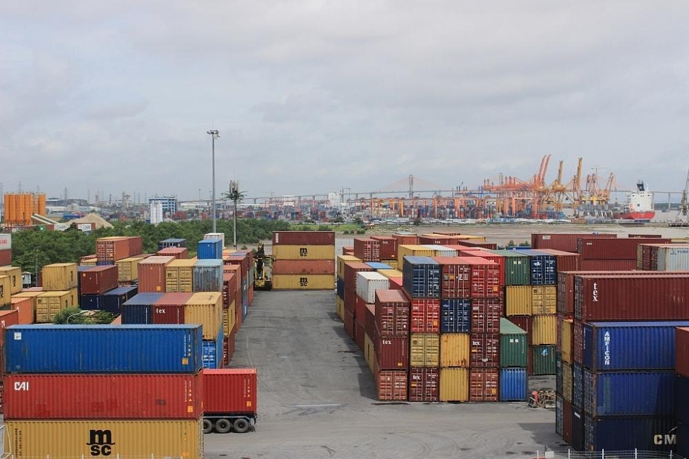 Lưu giữ chung giữa hàng hóa xuất khẩu, nhập khẩu, quá cảnh với hàng hóa nội địa có nguy cơ gian lận. Ảnh: N.Linh