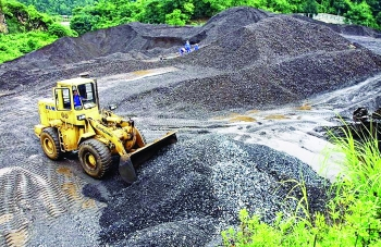 Trái khoáy xuất khẩu khoáng sản