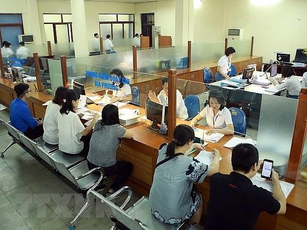 Cơ quan Thuế đang nỗ lực thực hiện các giải pháp hỗ trợ cho người dân, doanh nghiệp. Ảnh: S.T