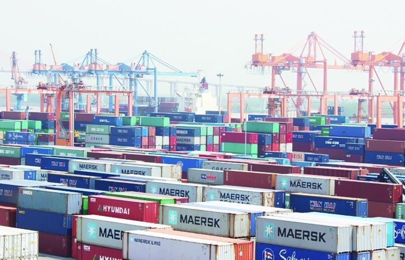 """Hòa Phát quyết định sản xuất vỏ container, """"bung hàng"""" từ quý 2/2022"""