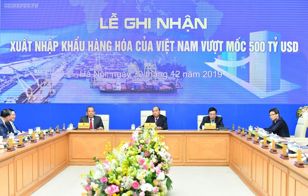 Đạt 500 tỷ USD, xuất nhập khẩu của Việt Nam vượt cả châu Phi
