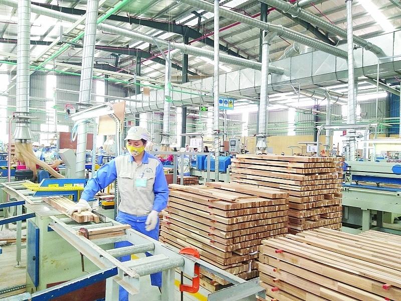 Năm 2020, XK gỗ và lâm sản cán đích gần 12,5 tỷ USD. Ảnh: N.Thanh