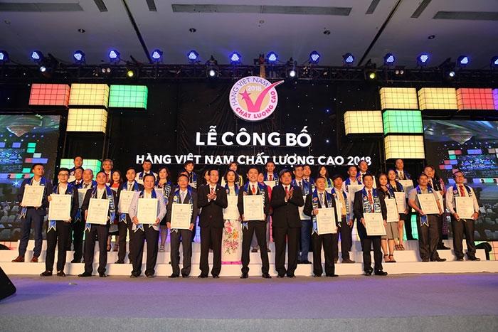 542 doanh nghiep dat nhan hieu chung nhan doanh nghiep hang viet nam chat luong cao nam 2019