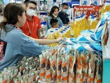 Nguyễn Kim bán hàng hoá tiêu dùng thiết yếu
