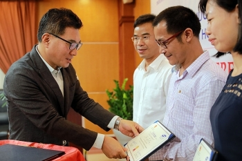 Hơn 100 chuyên gia Việt Nam được Samsung đào tạo tư vấn viên
