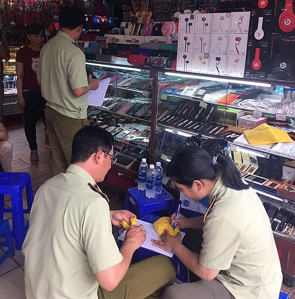 TPHCM: Tạm giữ trên 1.800 sản phẩm không có hoá đơn chứng từ
