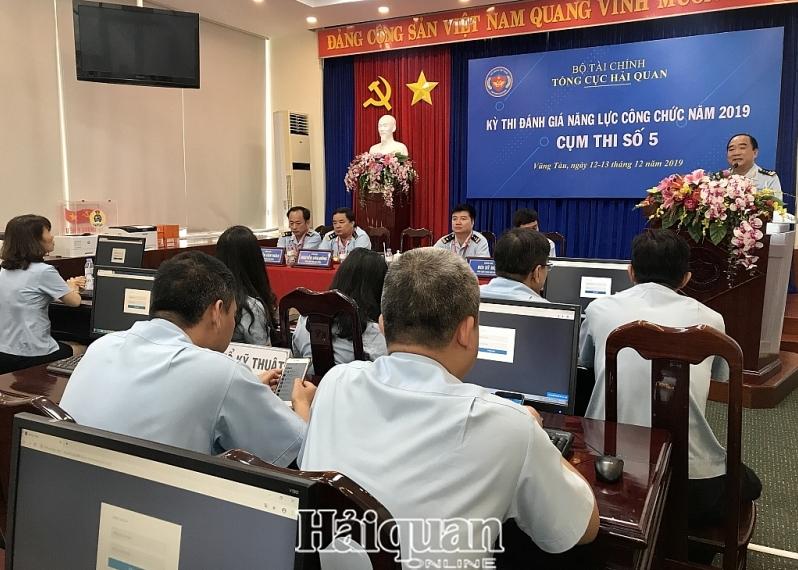 229 thi sinh tham gia ky thi danh gia nang luc cong chuc tai cum thi so 5