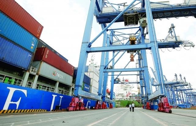 Cán cân thương mại sẽ cân bằng vào cuối năm 2021