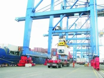 Gia tăng đầu tư cảng biển  để đón tàu tải trọng lớn