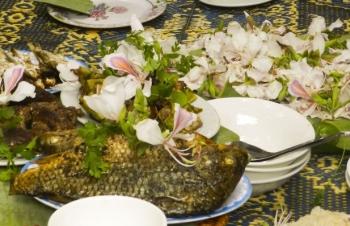 Thưởng thức đặc sản ẩm thực từ hoa ban