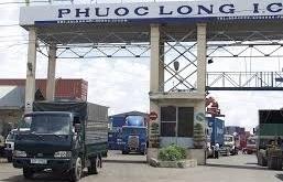 Bỏ quên 14 container hạt điều tại cảng