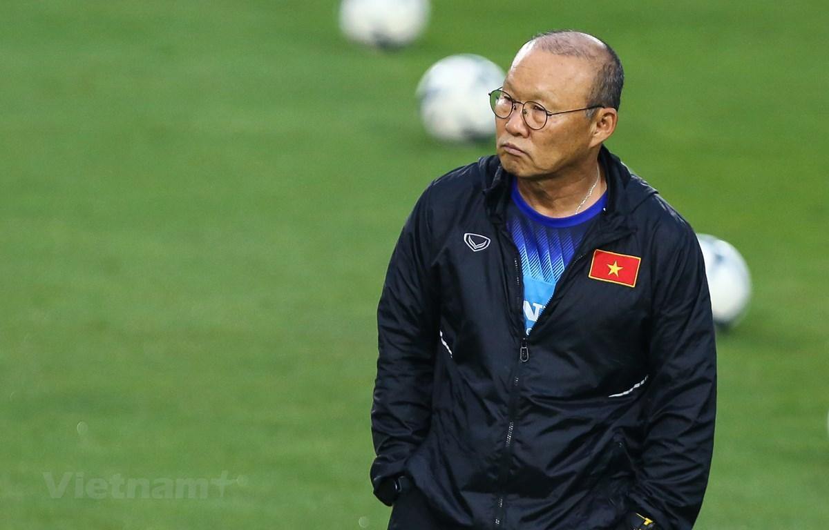 Vì sao HLV Park Hang-seo không bị cấm chỉ đạo tại AFF Cup 2020?