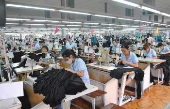 Doanh nghiệp dệt may đẩy mạnh phát triển công nghiệp phụ trợ