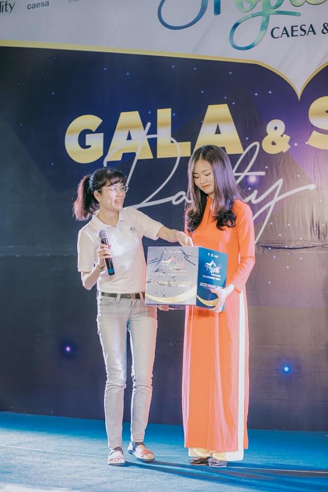 Bà Đỗ Thị Ánh Tuyết - CEO Thiện Nghĩa Clinic tại sự kiện.