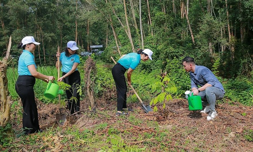phat dong chuong trinh trong cay xanh agribank vi tuong lai xanh them cay them su song
