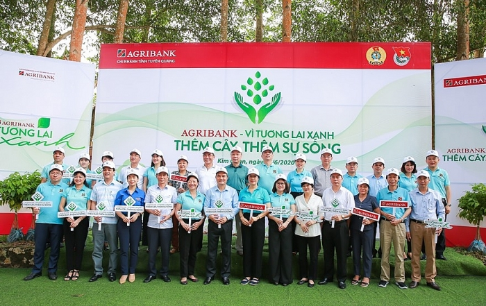 Phát động chương trình trồng cây xanh