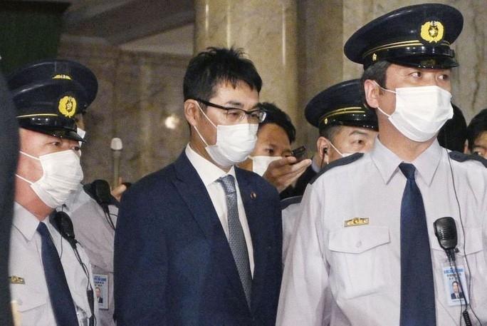 Bê bối chính trị mới nhất có làm thay đổi cục diện chính trị Nhật Bản?