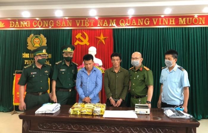 Hải quan Nậm Cắn phối hợp bắt giữ 6kg ma túy đá