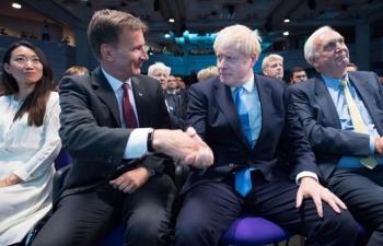 """Tân Thủ tướng Boris Johnson và một nước Anh """"ngổn ngang trăm mối"""""""