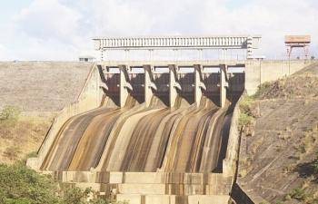 Than hết, nước cạn, còn nhiều rủi ro cung ứng điện năm nay