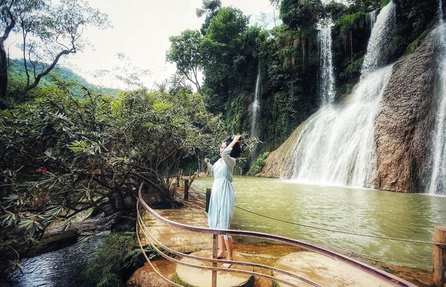 Thác Dải Yếm: Ngắm dải lụa mềm trên cao nguyên Mộc Châu