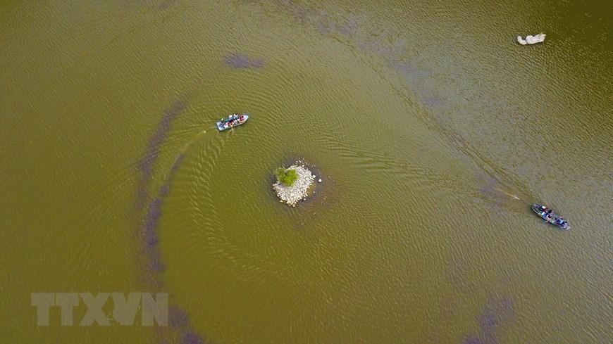 'Ngỡ như đang lạc vào chốn thủy cung' khi khám phá động Mã Tiên