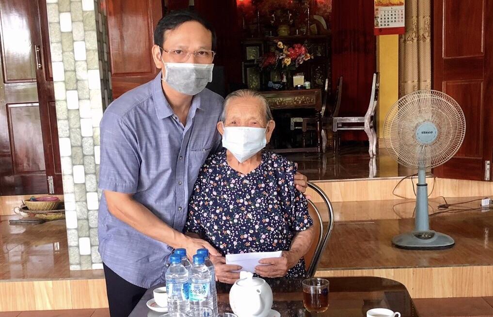 Hải quan Quảng Bình tri ân Mẹ Việt Nam Anh hùng nhân ngày Thương binh- Liệt sỹ