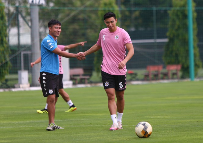 HLV Park Hang Seo nêu lý do không gọi Văn Hậu vào đội U22 Việt Nam - ảnh 1