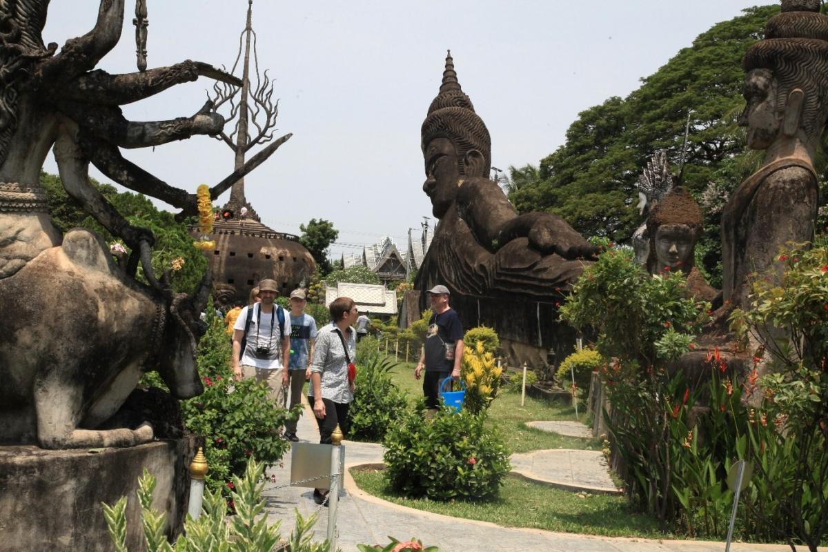 Vườn tượng Phật ở thủ đô Vientiane.