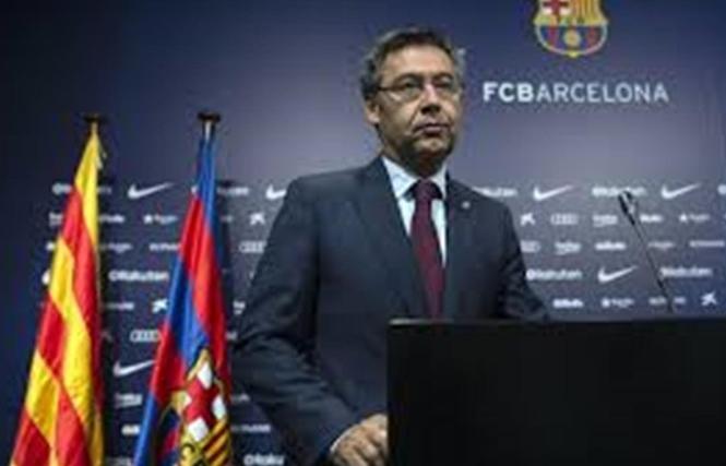 """Barca """"khóc ròng"""" vì COVID-19"""