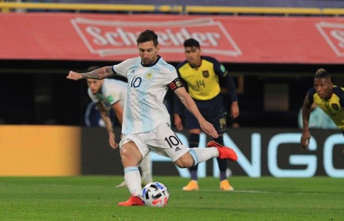 Messi ghi bàn giúp Argentina thắng trận ra quân vòng loại World Cup 2022